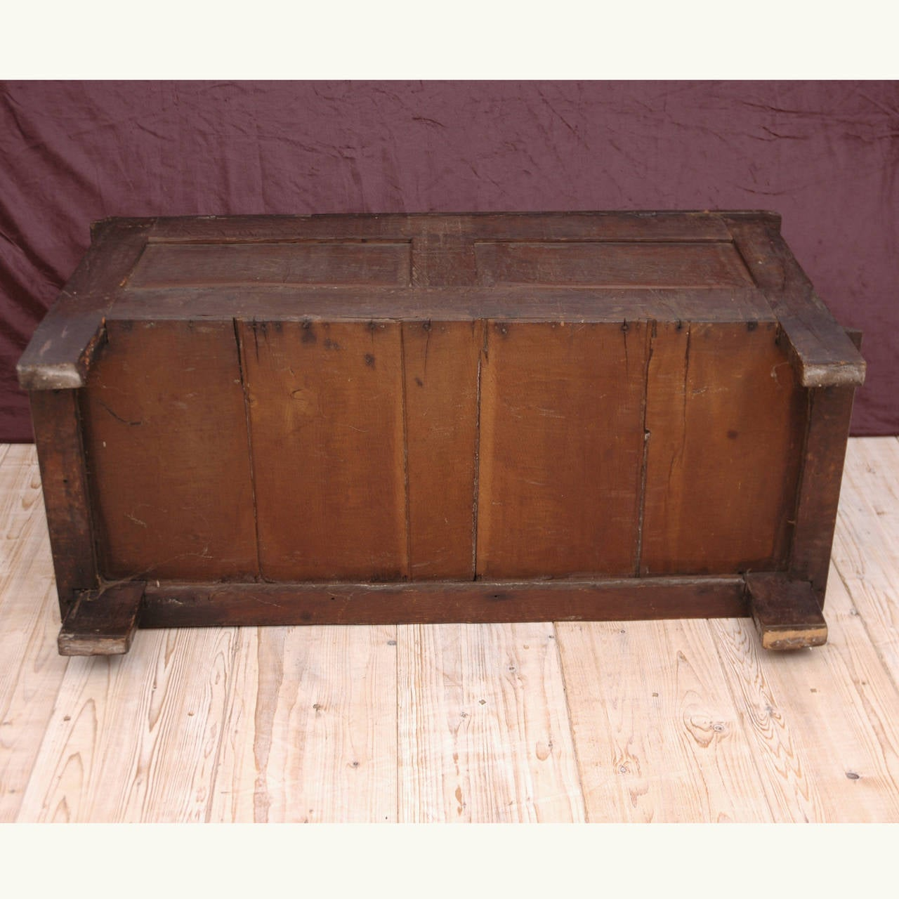 Neo-Renaissance Oak Blanket Chest For Sale 2