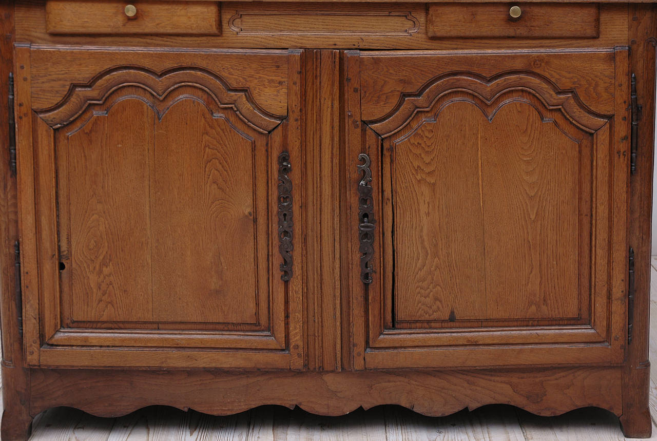 Louis XV 19th Century French Cupboard with Dish Rack or Vaiselier in Oak For Sale