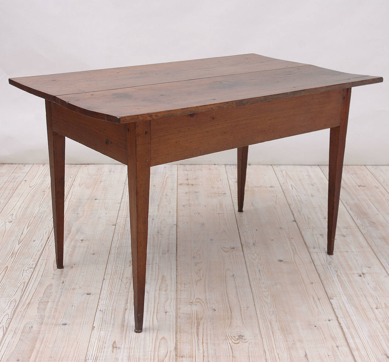 18th Century Country French Pine Table Kitchen Work Table In Good Condition For Sale In Miami, FL