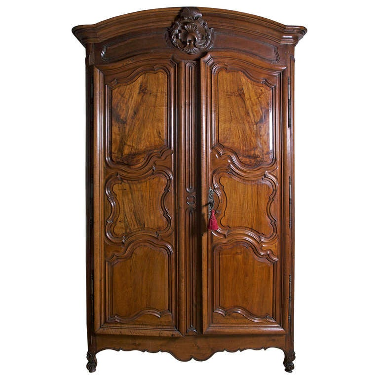 18th century french lyonnaise armoire for sale at 1stdibs. Black Bedroom Furniture Sets. Home Design Ideas