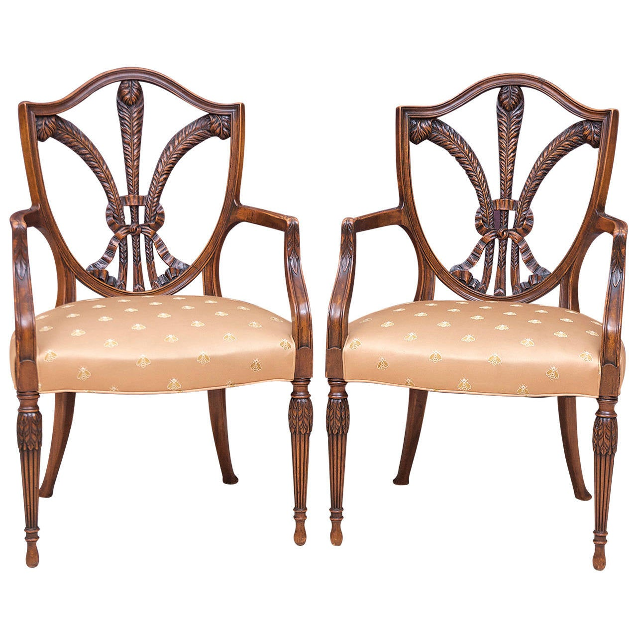 Merveilleux 19th Century Pair Of Shield Back Armchairs With Carved Prince Of Wales  Feathers For Sale