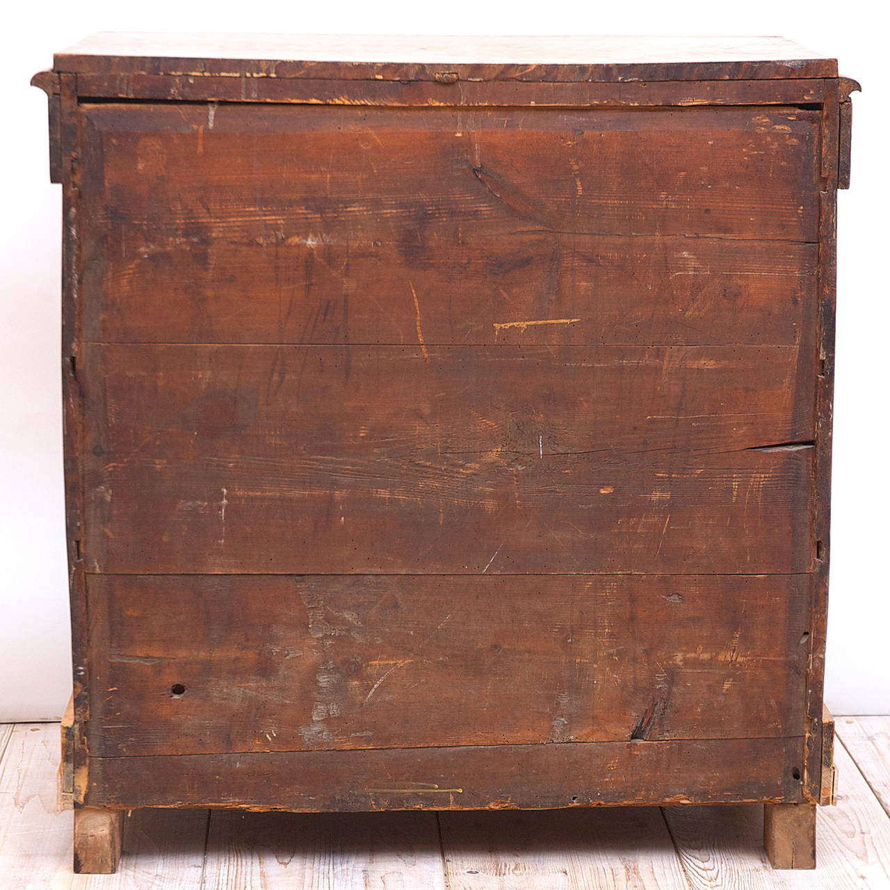 19th Century Swedish Biedermeier / Empire Chest of Drawers in Quilted Birch, circa 1820 For Sale