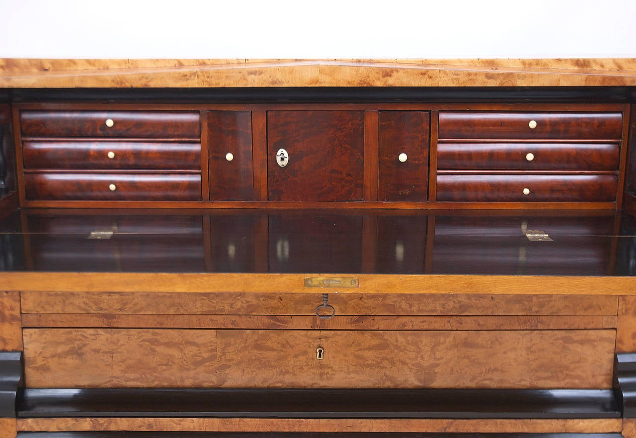 Early 19th Century Swedish Karl Johan Biedermeier Chest of Drawers with Pull Out Secretary in Birch For Sale