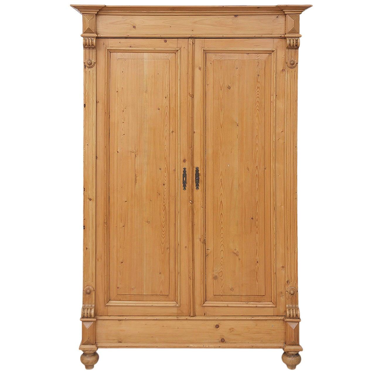 german19th century gr nderzeit pine armoire at 1stdibs. Black Bedroom Furniture Sets. Home Design Ideas