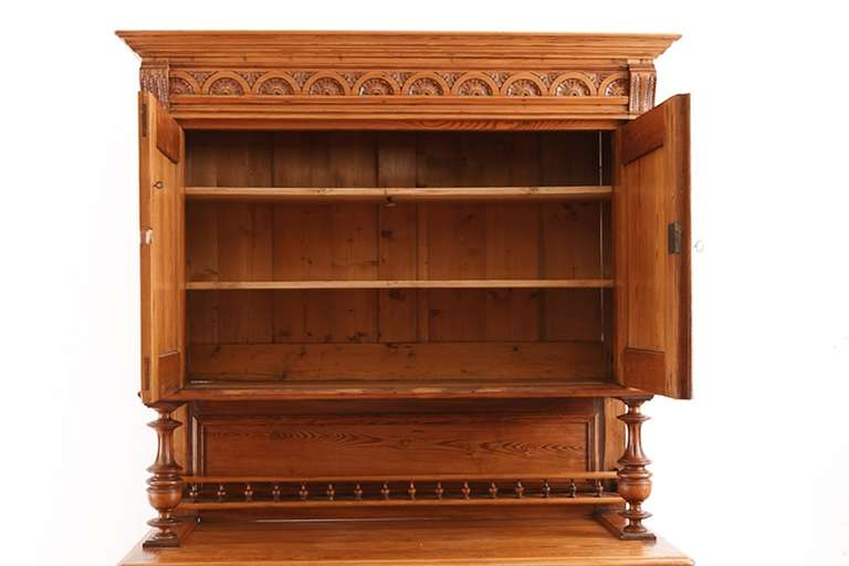 19th Century French Harvest Buffet in Pitch Pine from Brittany, circa 1860 For Sale