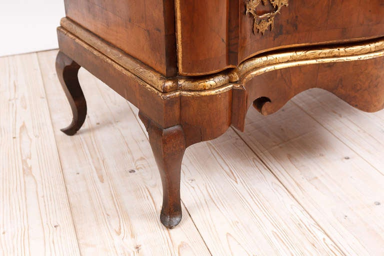 Danish 18th Century Baroque Chest of Drawers in Burl Walnut w/ Embossed Gilding For Sale