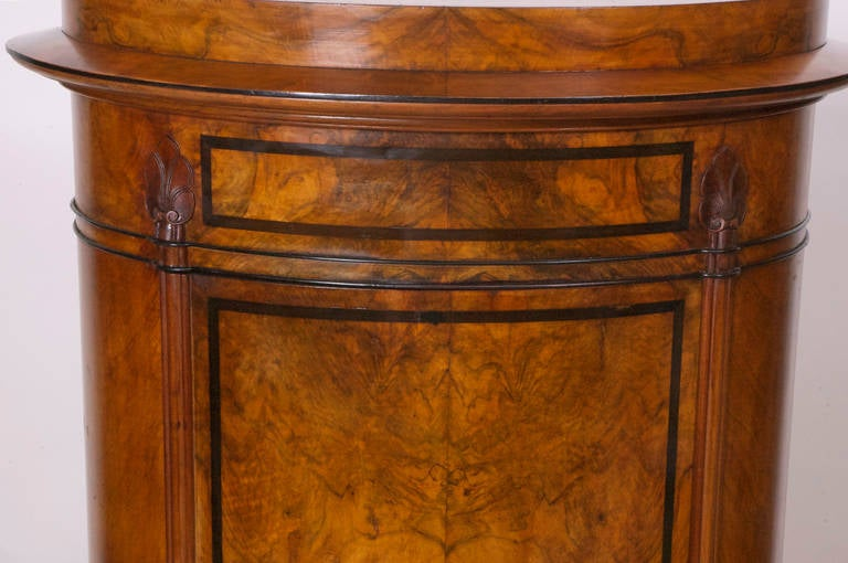 Pair of Danish Empire and Biedermeier Cylinder Cabinets in Burled Walnut In Good Condition For Sale In Miami, FL