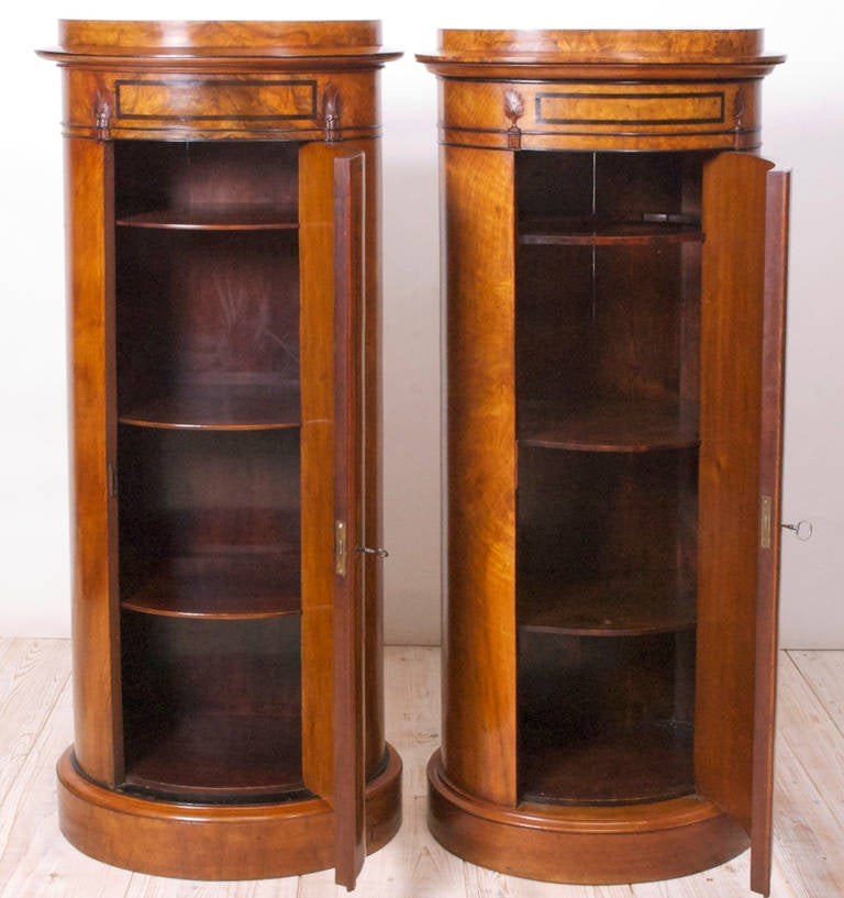 Polished Pair of Danish Empire and Biedermeier Cylinder Cabinets in Burled Walnut For Sale