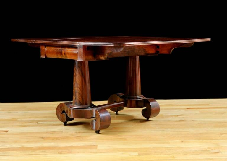 Meeks American Empire, Greek Revival Drop-Leaf Mahogany Breakfast Table In Good Condition For Sale In Miami, FL
