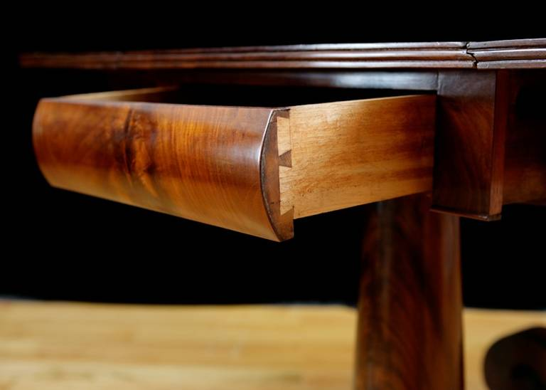 19th Century Meeks American Empire, Greek Revival Drop-Leaf Mahogany Breakfast Table For Sale