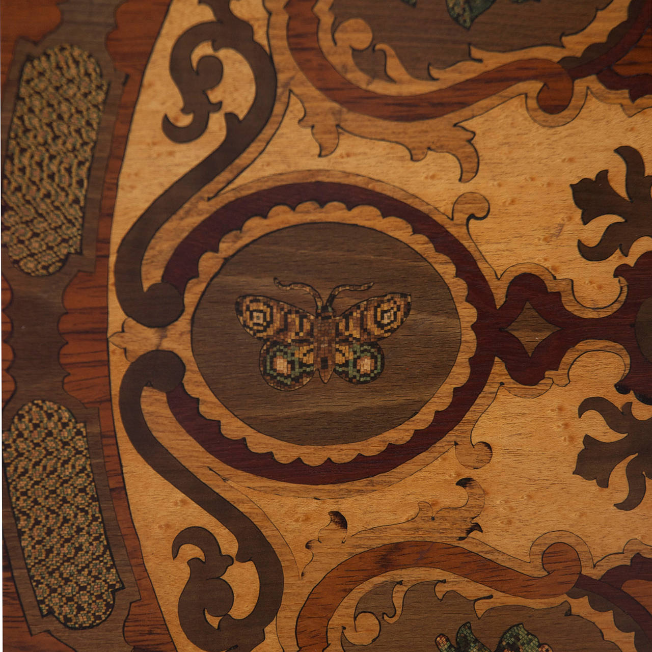 Mid-19th Century 19th Century Italian Center Table with Mosaic Marquetry on Round Top For Sale