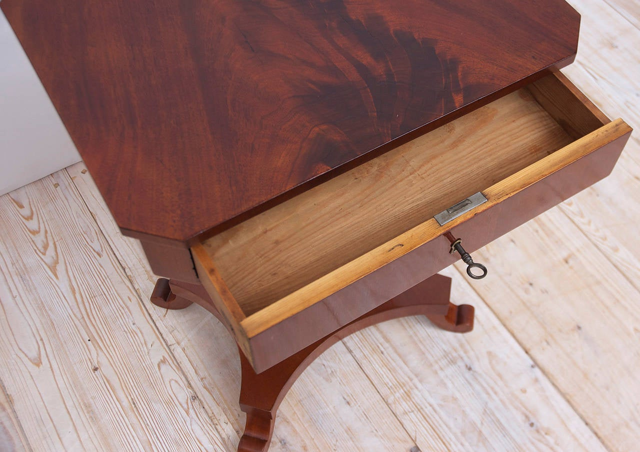 Antique Karl Johan Side Table with Lyre Base in Mahogany, Sweden, circa 1845 4