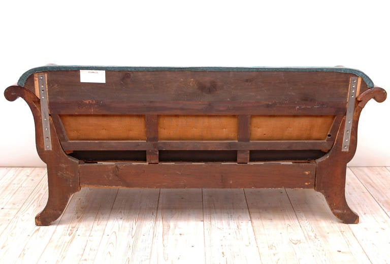 Scandinavian Empire Sofa in Mahogany with Ormolu and Upholstery, circa 1815 For Sale 5