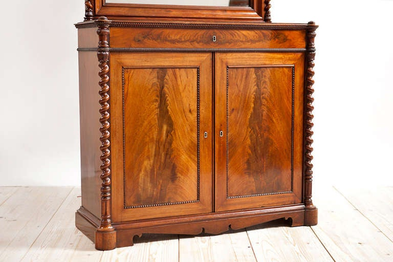 Empire Console w/ Tall Mirror in Cuban Mahogany, Northern Europe, c. 1835 In Good Condition For Sale In Miami, FL