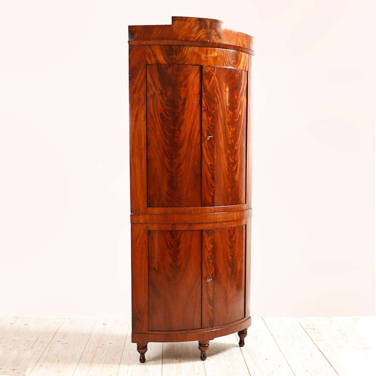 Charmant Beautifully Crafted Danish Empire Bowed Front Corner Cabinet In Mahogany,  Circa 1810 Featuring Beautiful Crotch
