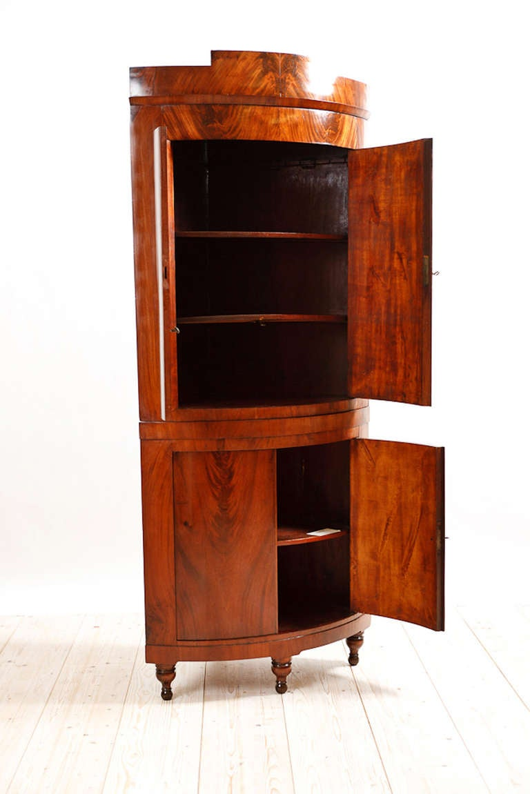 Polished Bow Front Danish Empire Corner Cabinet or Cupboard in Mahogany, circa 1810 For Sale