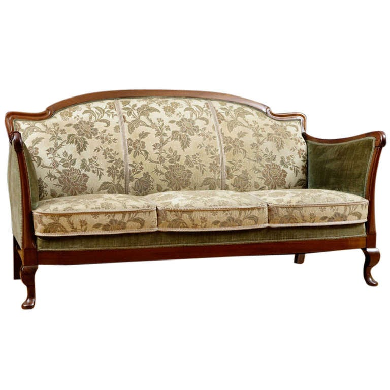 post art deco upholstered sofa frame in cuban mahogany circa 1930 at 1stdibs. Black Bedroom Furniture Sets. Home Design Ideas