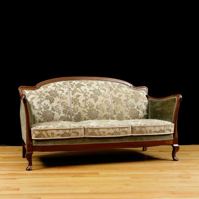 post art deco upholstered sofa frame in cuban mahogany. Black Bedroom Furniture Sets. Home Design Ideas