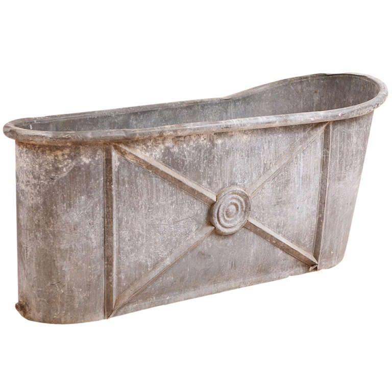 French Empire Bath Tub in Zinc with Embossed Design For Sale at 1stdibs