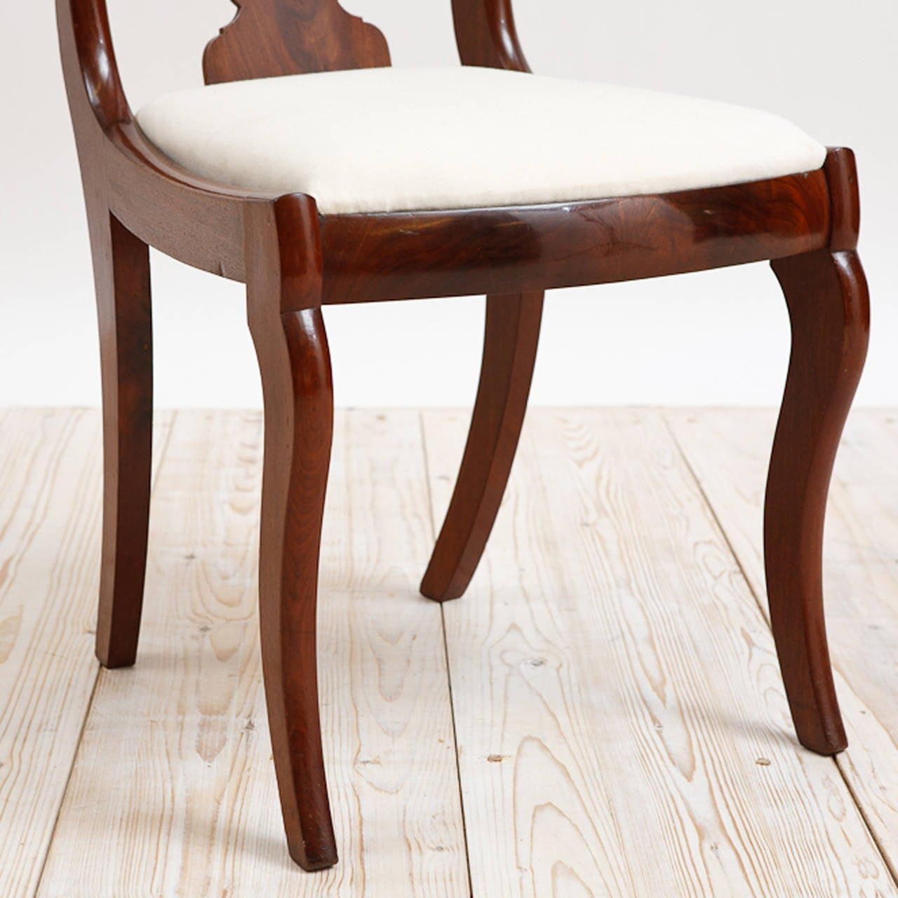 Set Of Six American Empire Dining Chairs Circa 1830 In Good Condition For Sale