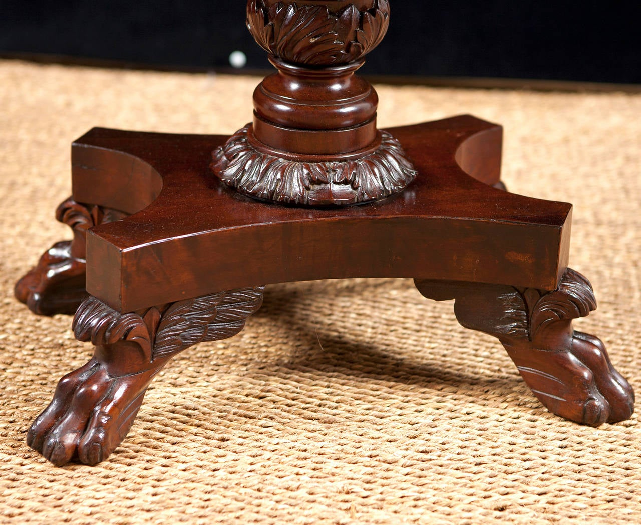 American Empire Side Table with Writing Surface in Mahogany, circa 1825 In Good Condition For Sale In Miami, FL