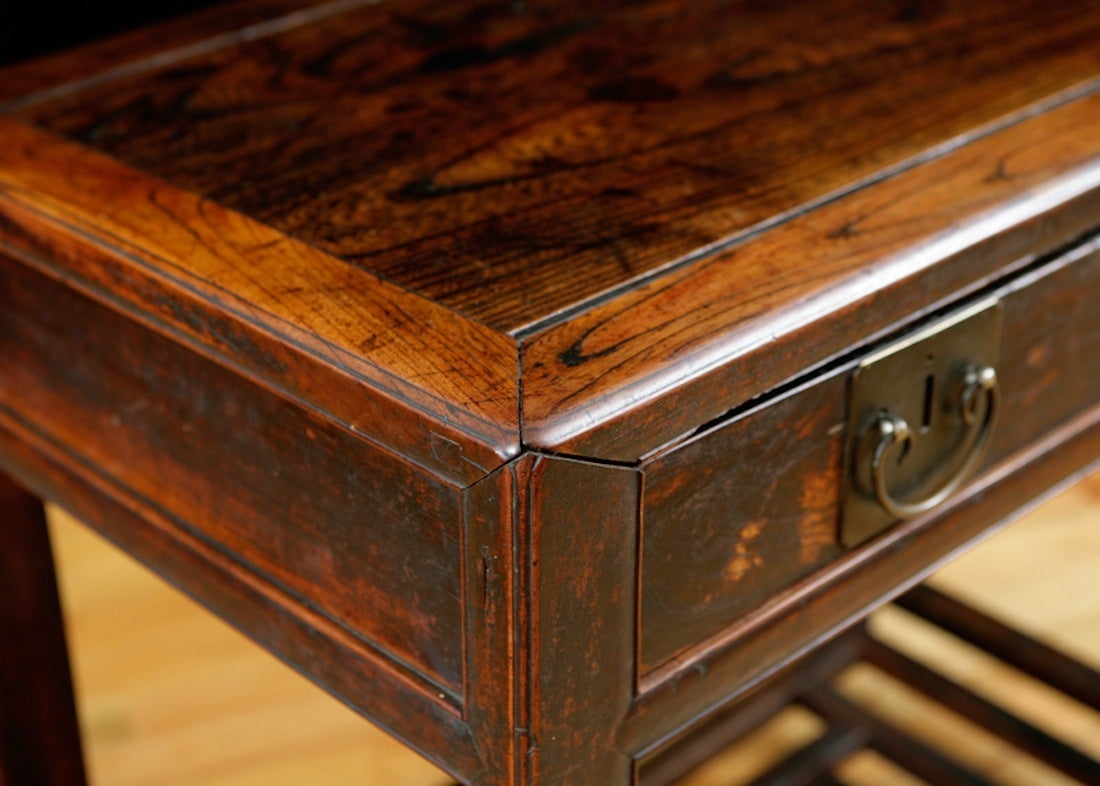 Chinese Table in Elm with Original Cinnabar Lacquer, circa 1790 Qing Dynasty In Good Condition For Sale In Miami, FL