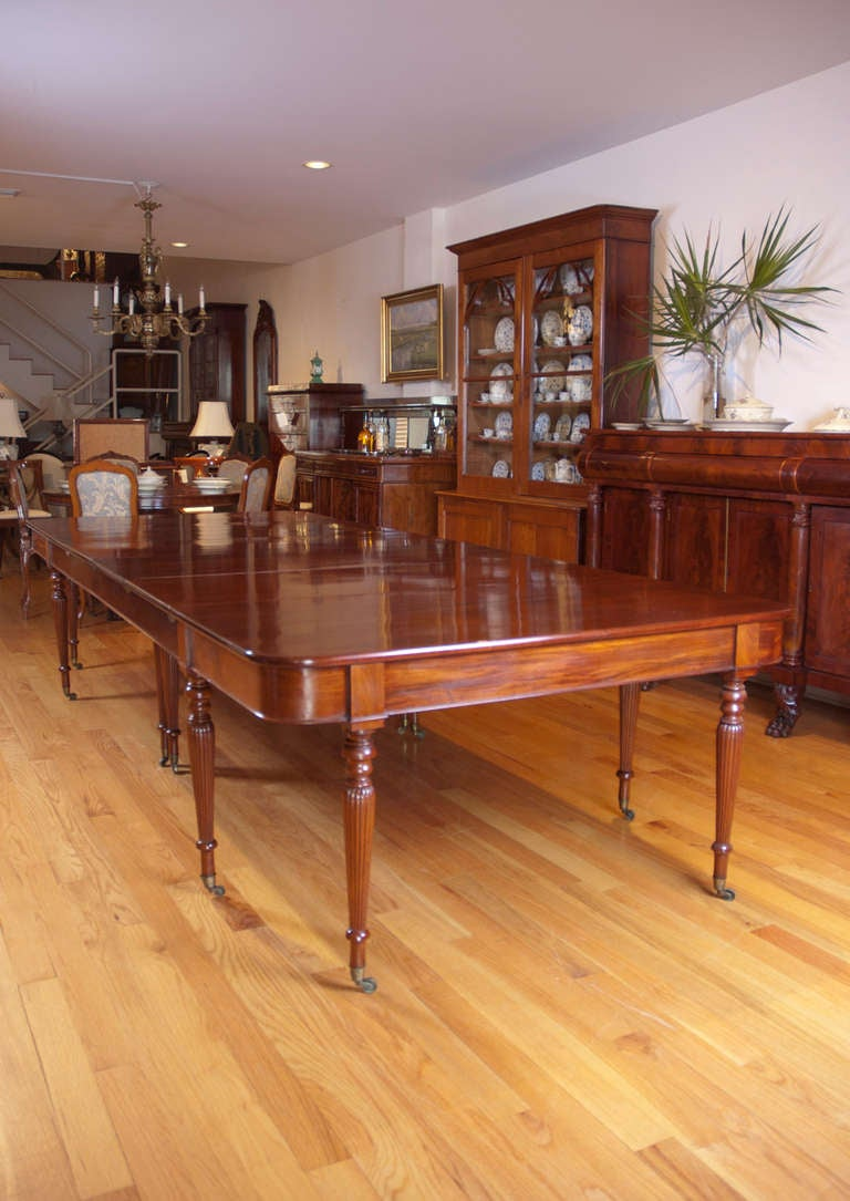 Long And Wide TwoPart English Banquet Dining Table In Mahogany - Dining room tables with leaves