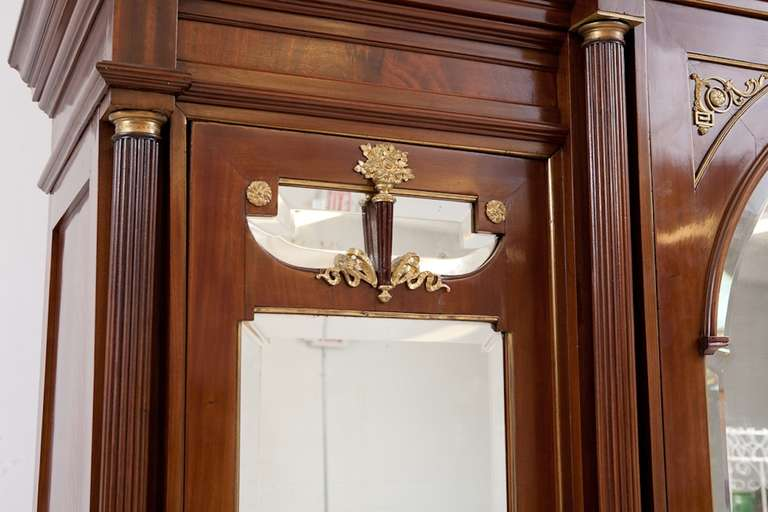 Large French Napoleon III Armoire in Mahogany with 3 Mirrored Doors For Sale 3
