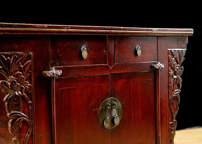 19th Century Chinese Provincial Red Lacquered Cabinet from the Qing Dynasty For Sale 1