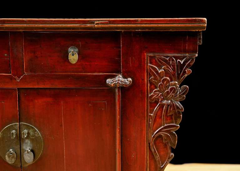 19th Century Chinese Provincial Red Lacquered Cabinet from the Qing Dynasty For Sale 3