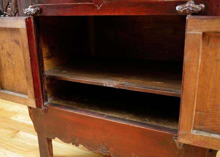 19th Century Chinese Provincial Red Lacquered Cabinet from the Qing Dynasty For Sale 4