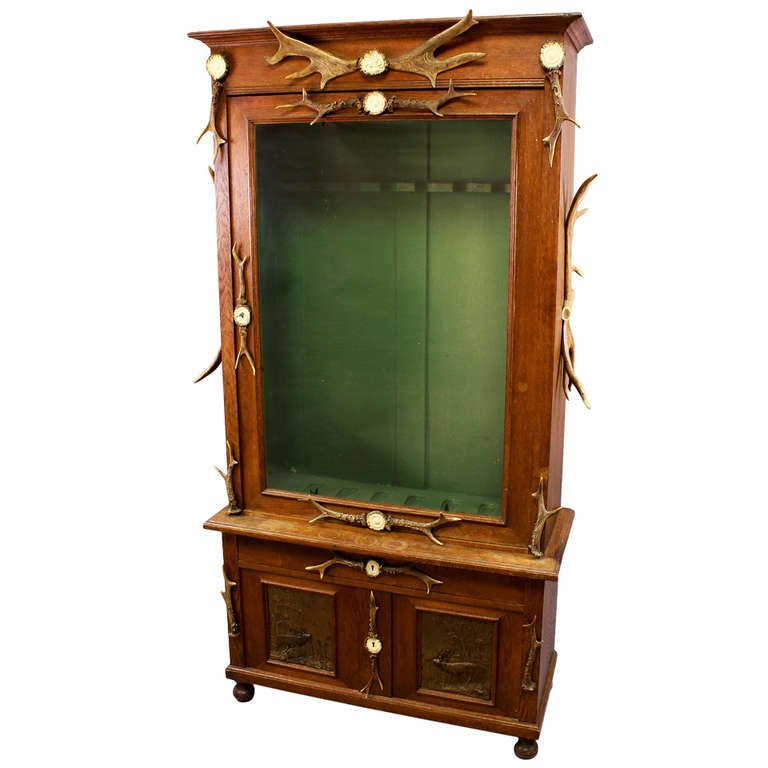 Black Forest Wood and Horn Gun Cabinet, circa 1900 For Sale - Black Forest Wood And Horn Gun Cabinet, Circa 1900 For Sale At 1stdibs