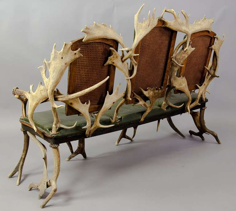 Antique Black Forest Three Seater Antler Sofa, 1900 In Excellent Condition For Sale In Berghuelen, DE