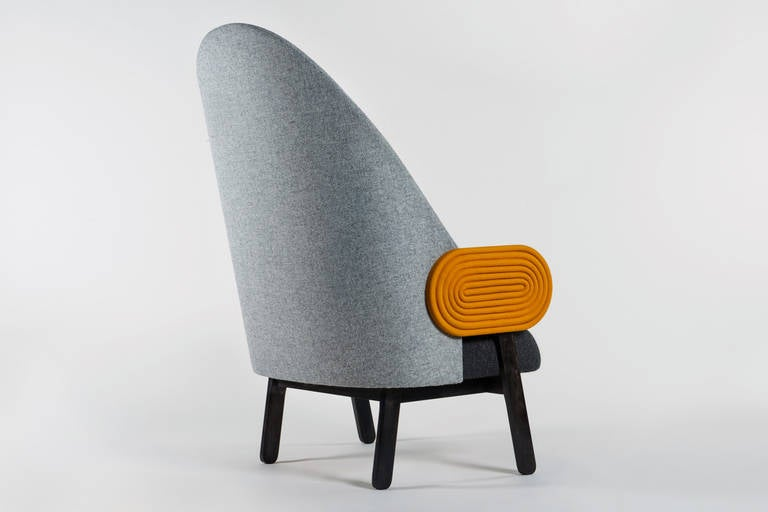 Collectible Design 'Moon' Armchair, a Contemporary Piece with a Vintage Twist In New Condition For Sale In Paris, FR