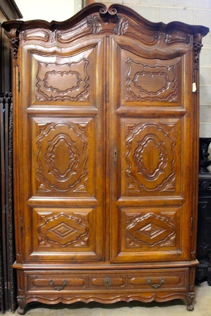 french carved walnut louis xv armoire for sale at 1stdibs. Black Bedroom Furniture Sets. Home Design Ideas