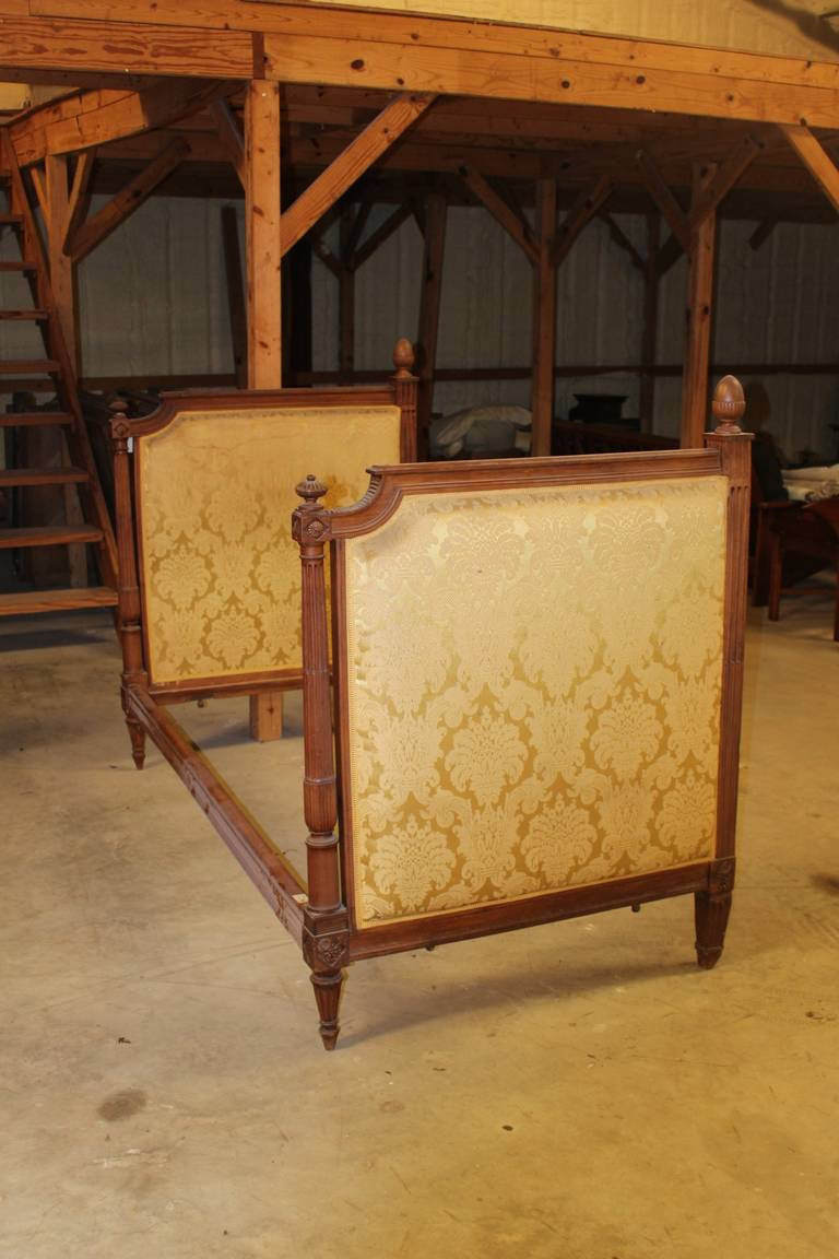 French Louis XVI Style Daybed For Sale