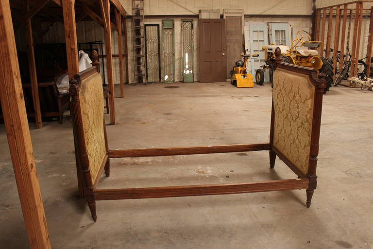 Louis XVI Style Daybed In Good Condition For Sale In Dallas, TX