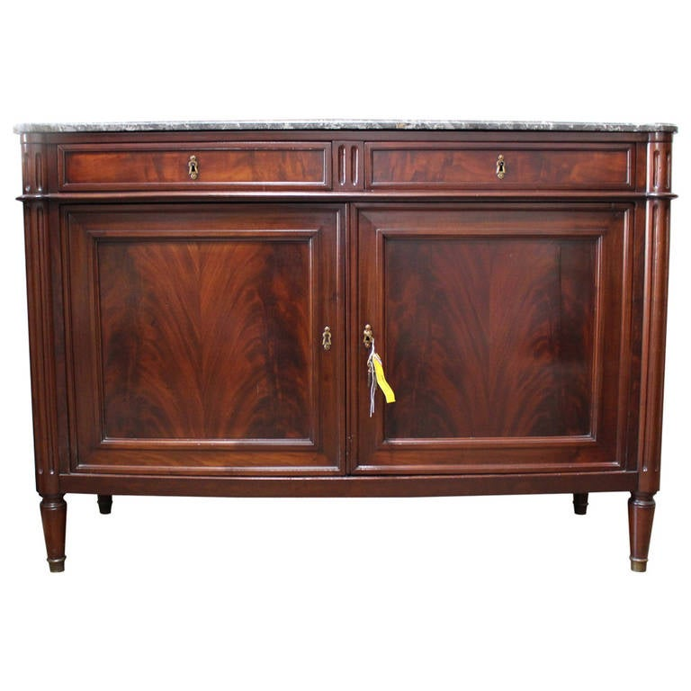 louis xvi mahogany buffet with marble top for sale at 1stdibs. Black Bedroom Furniture Sets. Home Design Ideas