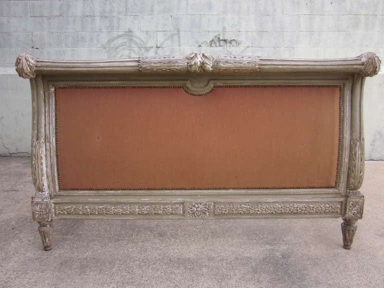 French 19th Century Louis XVI Style Painted Bed For Sale 2