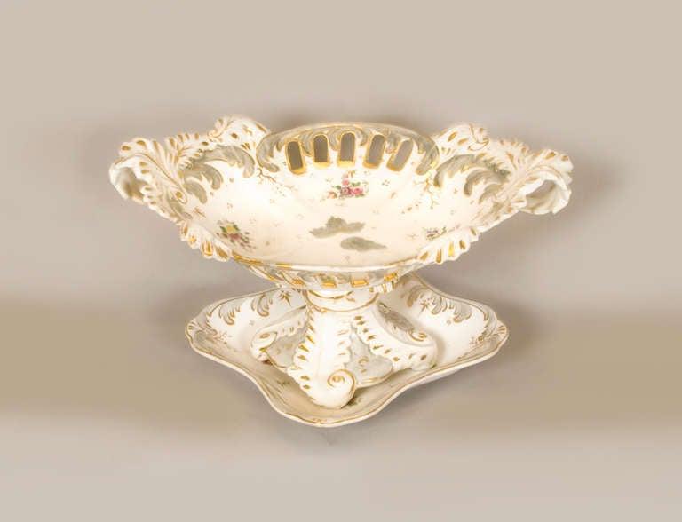 Early 19th Century Rockingham Porcelain Dessert Service, circa 1835 For Sale 1