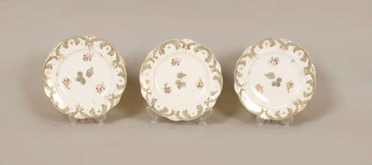 Early 19th Century Rockingham Porcelain Dessert Service, circa 1835 For Sale 2