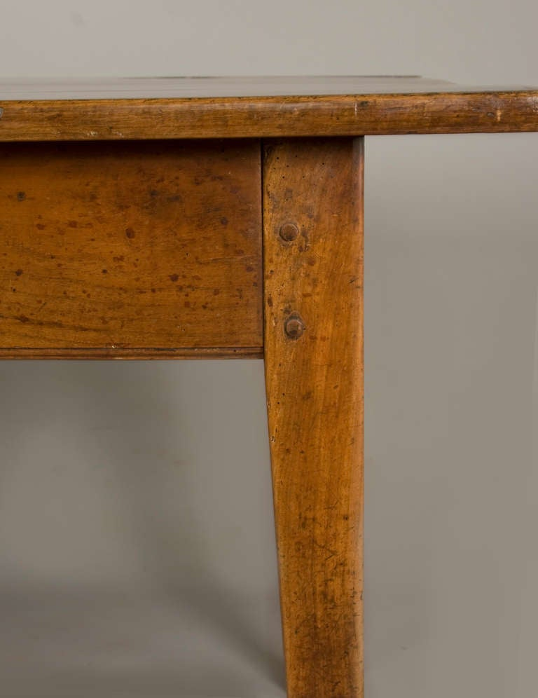 Neoclassical  19th Cent.French Cherrywood neoclassic Dining Table For Sale