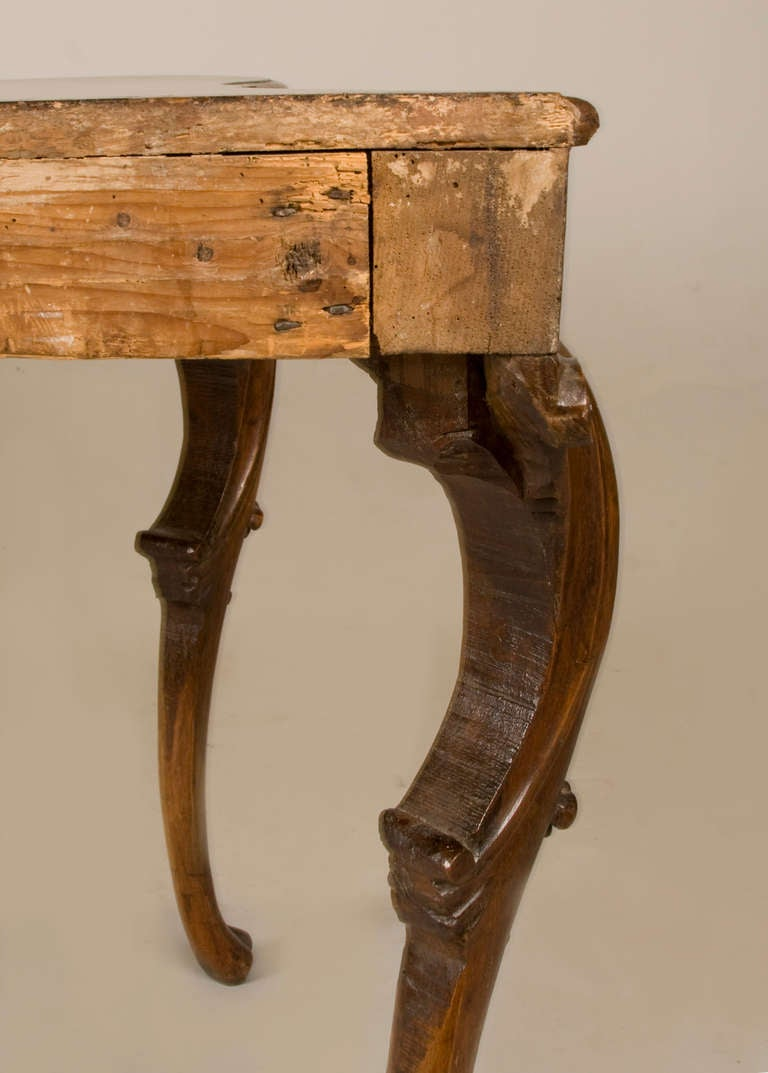 18th Century Walnut Console from the Emilia For Sale 1