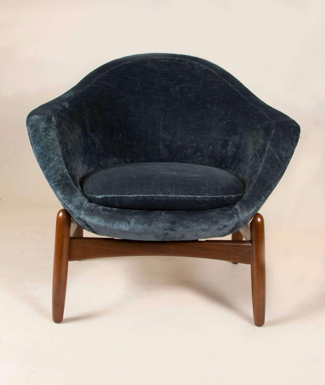 Rare Lounge Chair By Ib Kofod-Larsen For Sale At 1stdibs