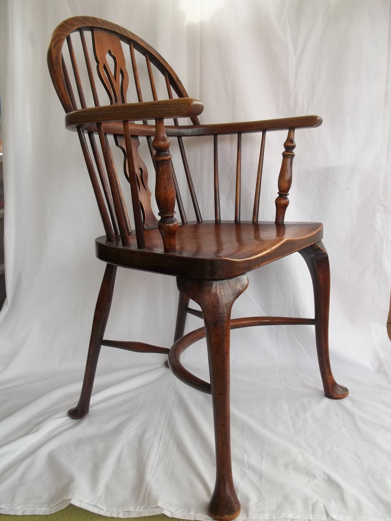 19th century low back windsor armchair with cabriole legs at 1stdibs. Black Bedroom Furniture Sets. Home Design Ideas