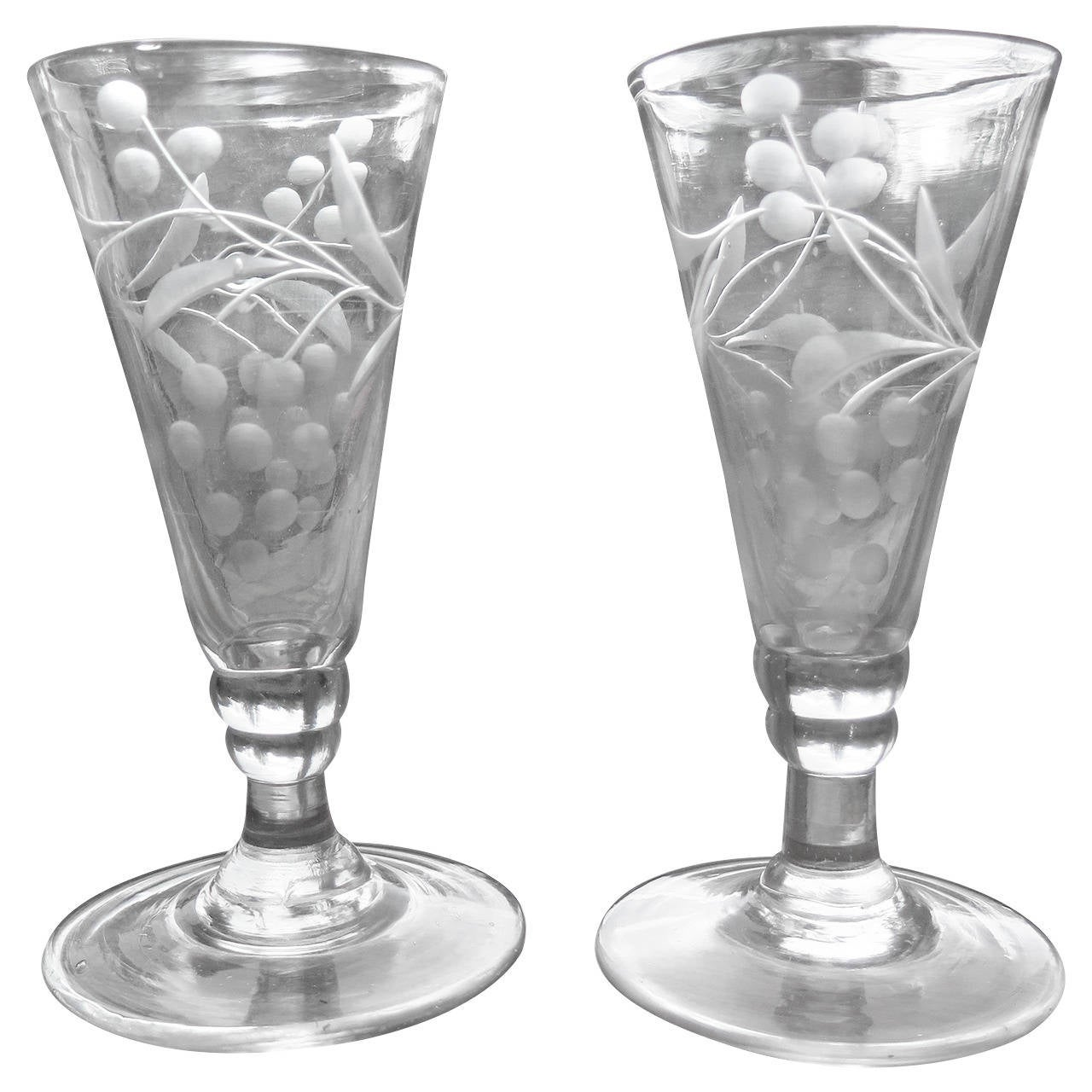 Georgian Pair of Wine Drinking Glasses Hand-blown and Engraved, Circa 1790 For Sale