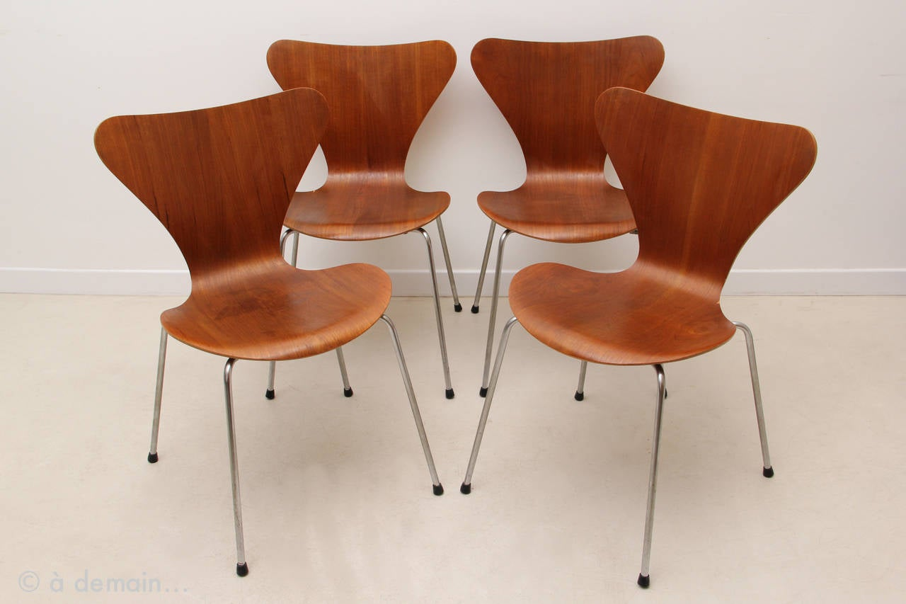 series 7 chairs designed by arne jacobsen edited by fritz hansen 1964 at 1stdibs. Black Bedroom Furniture Sets. Home Design Ideas