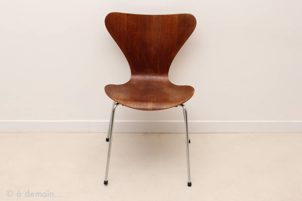 series 7 chair designed by arne jacobsen edited by fritz hansen 1966 at 1stdibs. Black Bedroom Furniture Sets. Home Design Ideas