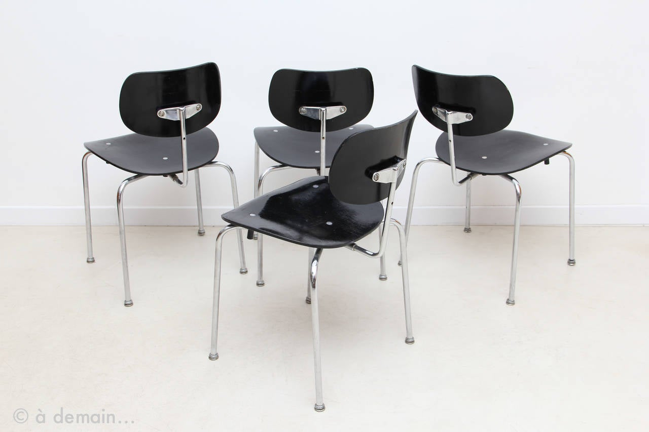 set of four se 68 chairs by egon eiermann produced by. Black Bedroom Furniture Sets. Home Design Ideas