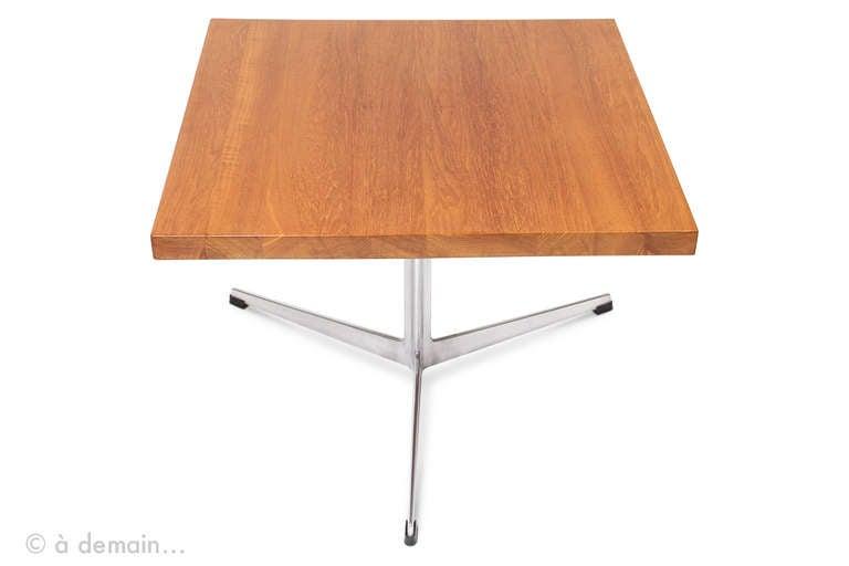 table basse carre asiatique. Black Bedroom Furniture Sets. Home Design Ideas
